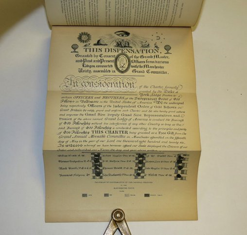 No three links on this facsimile of an early Lodge Charter